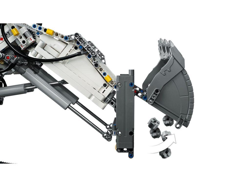 LEGO Technic 42100 Liebherr Bagger R 9800 - Bild 10 | ©LEGO Gruppe
