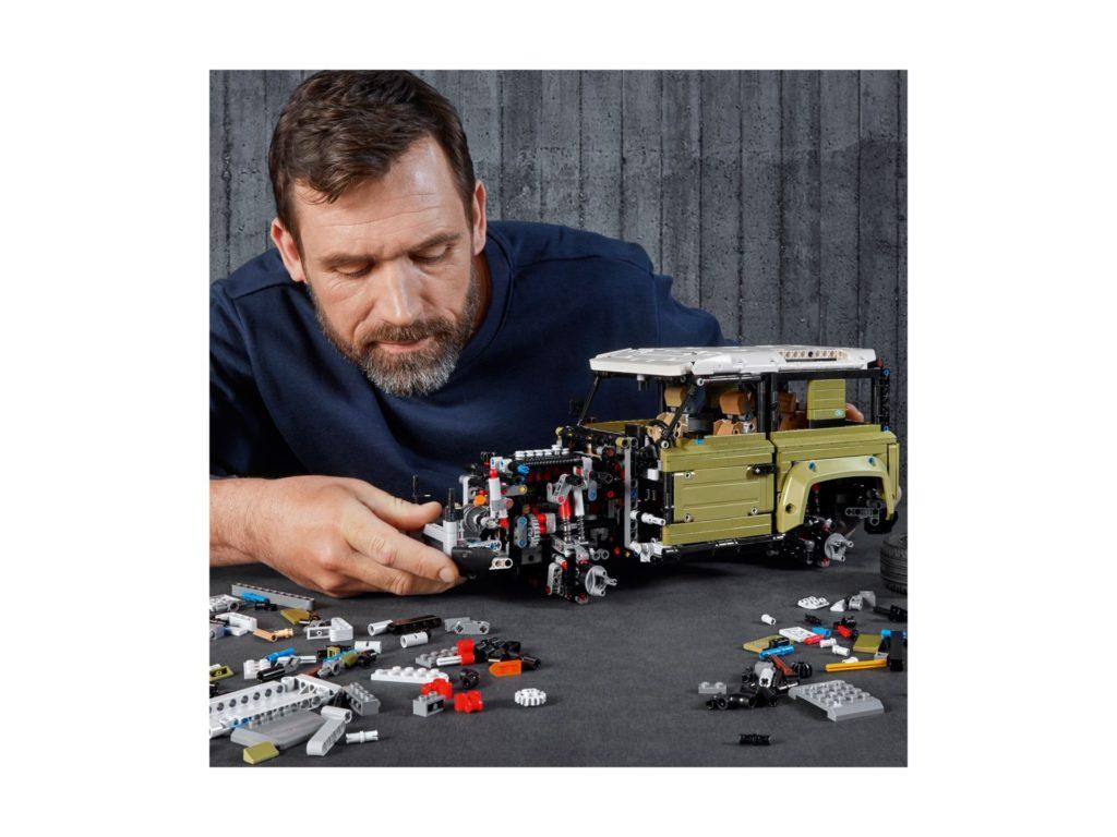 LEGO Technic 42110 Land Rover Defender - Bild 3 | ©LEGO Gruppe