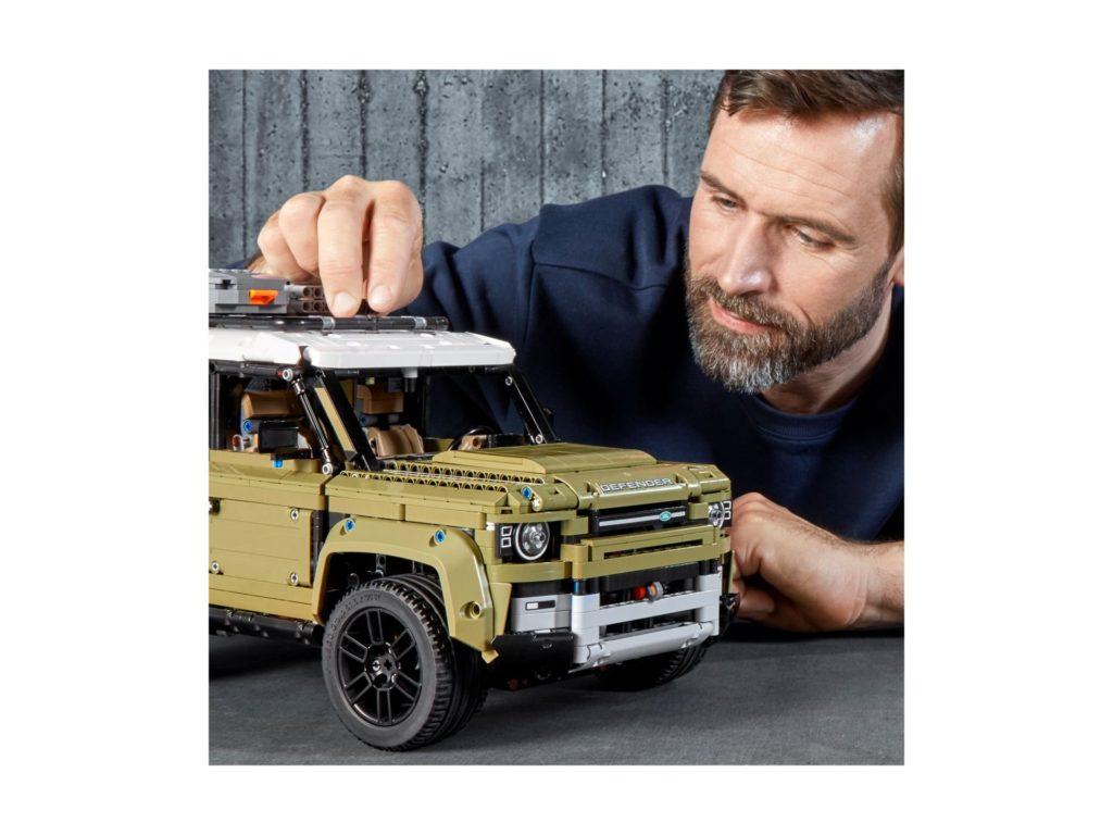LEGO Technic 42110 Land Rover Defender - Bild 4 | ©LEGO Gruppe