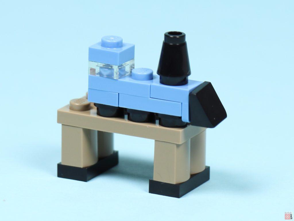 LEGO® Creator 30573 Weihnachtsmann - Eisenbahn auf Tisch | ©2019 Brickzeit