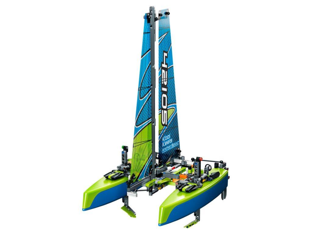 LEGO® Technic 42105 Catamaran | ©LEGO Gruppe