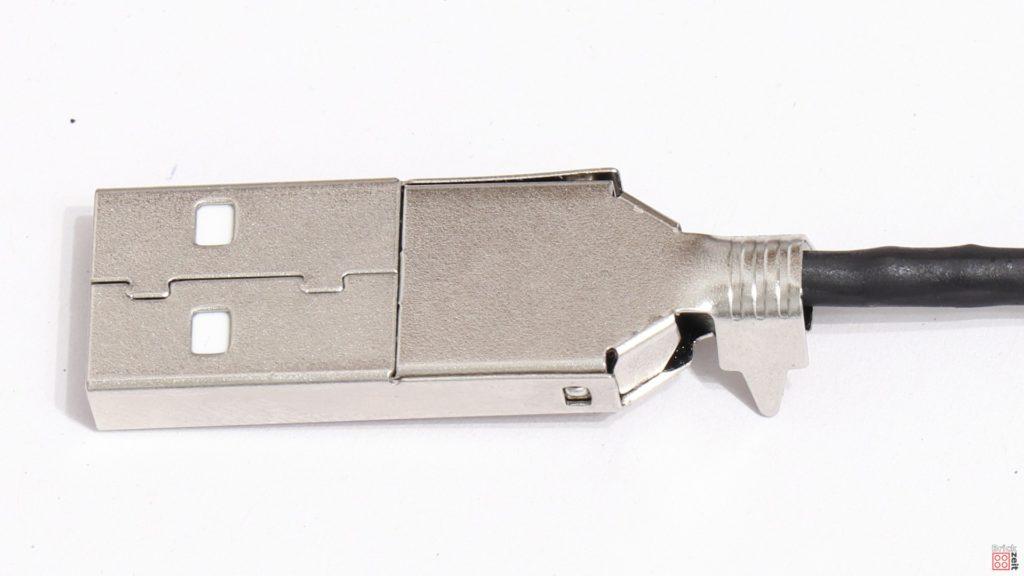 USB Stecker zusammenbauen | ©2020 Brickzeit