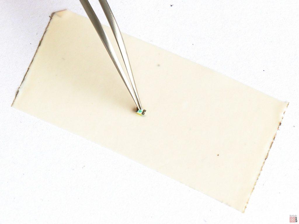 SMD LED auf doppelseitigem Klebeband | ©2020 Brickzeit