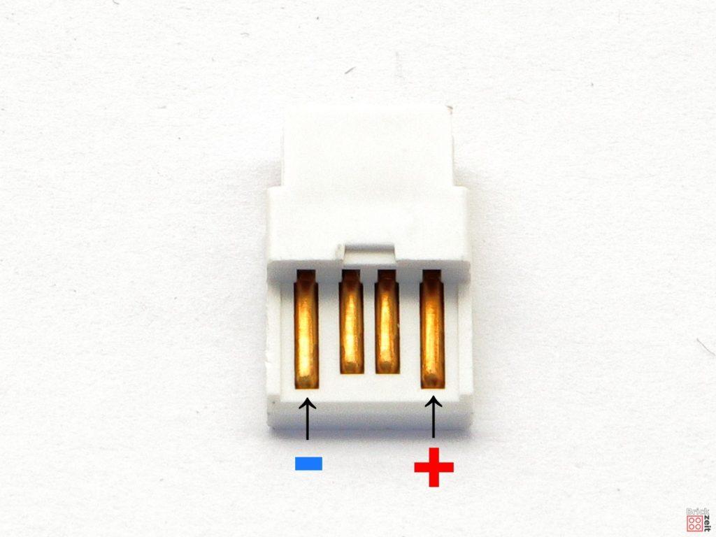 Polung USB-Stecker vorne | ©2020 Brickzeit