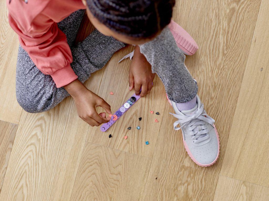 LEGO® DOTS 41902 Einhorn Armband | ©LEGO Gruppe