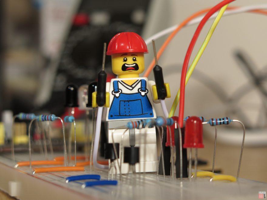 LEGO Elektronik Experimente | ©2020 Brickzeit