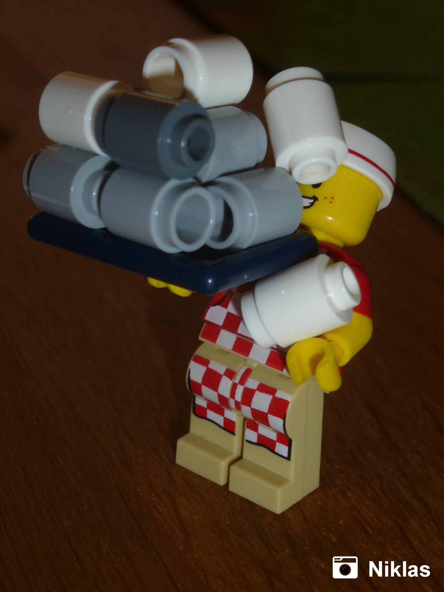 Fastfood-Verkäufer mit Toilettenpapier | Foto von Niklas