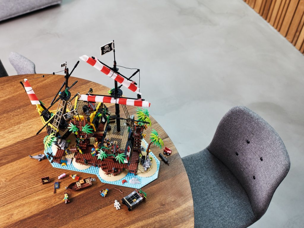 LEGO® Ideas 21322 Piraten der Barracuda-Bucht | ©LEGO Gruppe