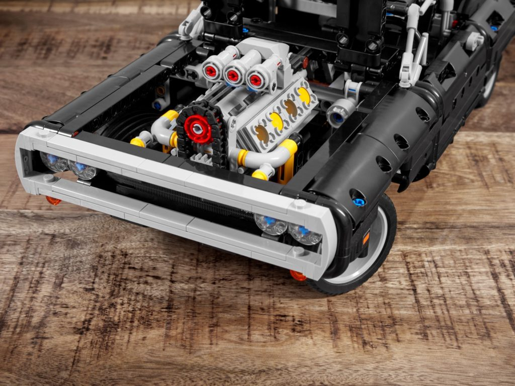 LEGO Technic 42111 Dom's Dodge Charger   ©LEGO Gruppe