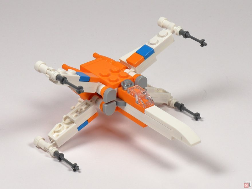 LEGO Star Wars 30386 Poe Dameron's X-Wing Fighter - Vorderseite | ©2020 Brickzeit