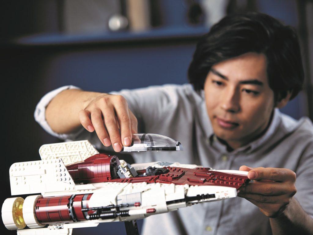 LEGO Star Wars 75275 UCS A-Wing, Lifestyle-Bild | ©LEGO Gruppe