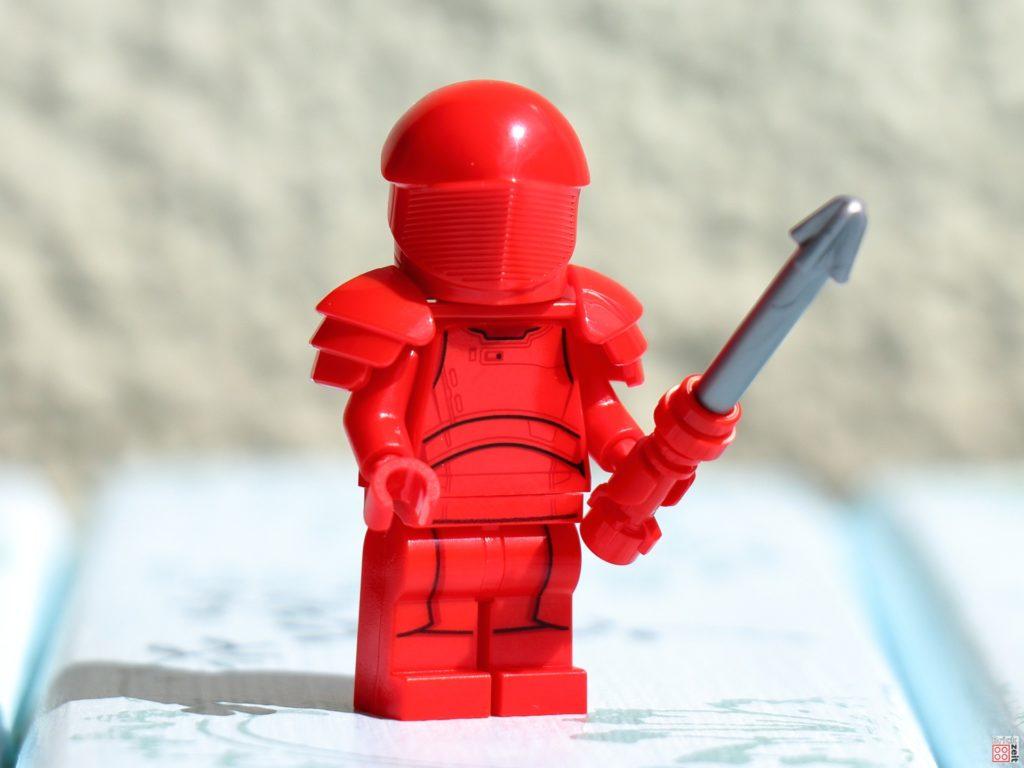 LEGO Star Wars Elite Praetorian Guard mit Kampfstab | ©Brickzeit