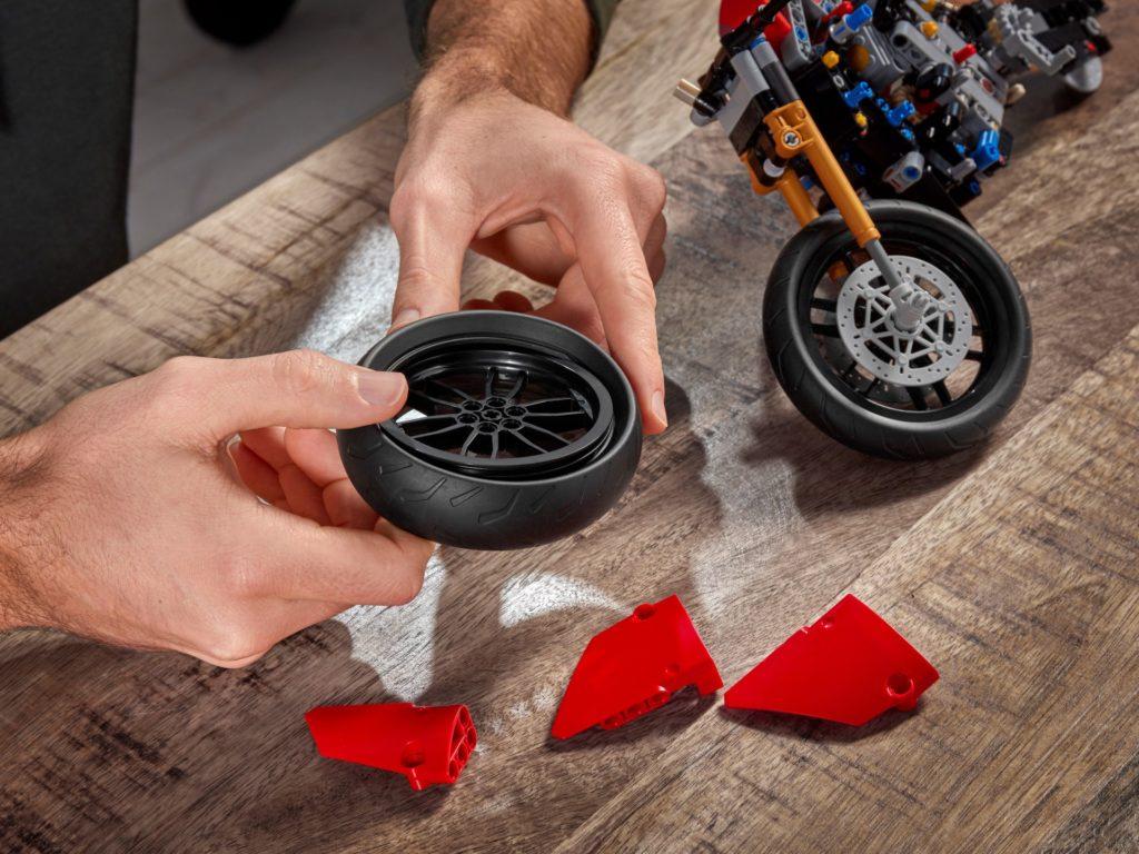 LEGO Technic 42107 Ducati Panigale V4 R | ©LEGO Gruppe