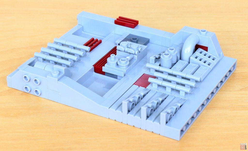 LEGO Star Wars 40407 - Die ersten beiden Flächen zusammengesteckt | ©2020 Brickzeit