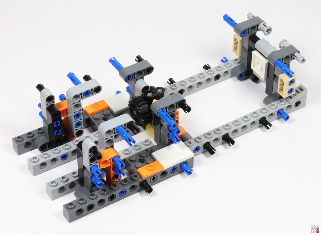 LEGO Star Wars 75275 - Bauabschnitt 01, Bild 24 | ©2020 Brickzeit