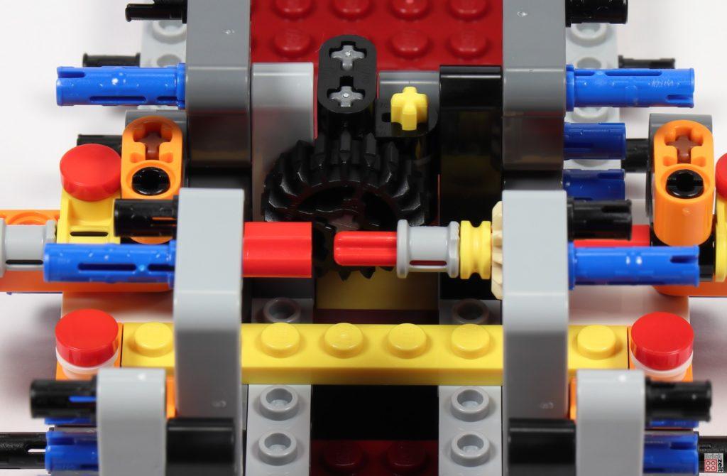 LEGO Star Wars 75275 - Bauabschnitt 01, Bild 32 | ©2020 Brickzeit