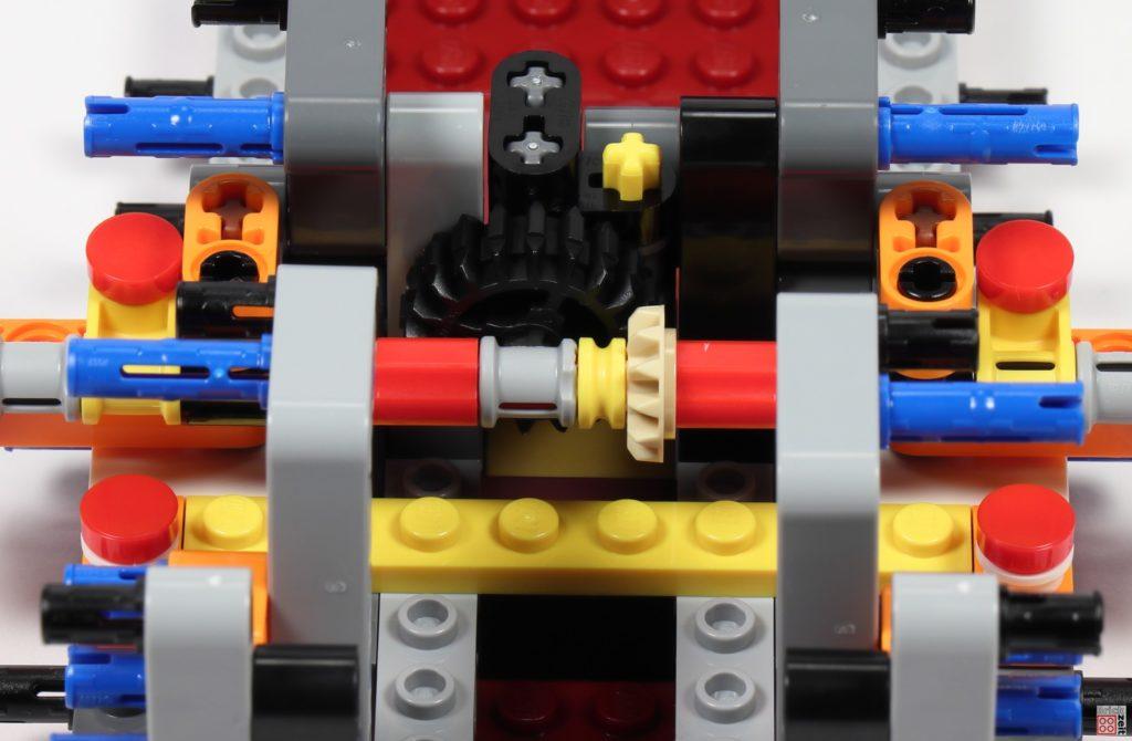 LEGO Star Wars 75275 - Bauabschnitt 01, Bild 33 | ©2020 Brickzeit