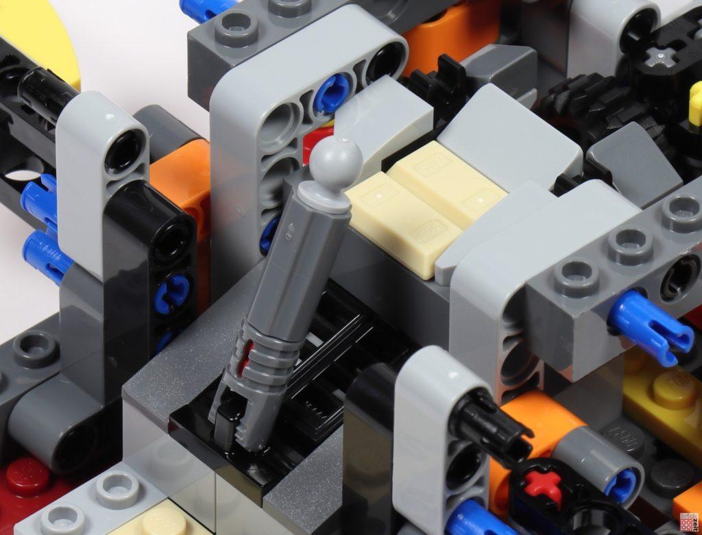 LEGO Star Wars 75275 - Bauabschnitt 02, Bild 09 | ©2020 Brickzeit