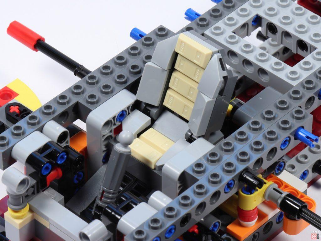 LEGO Star Wars 75275 - Bauabschnitt 02, Bild 16 | ©2020 Brickzeit