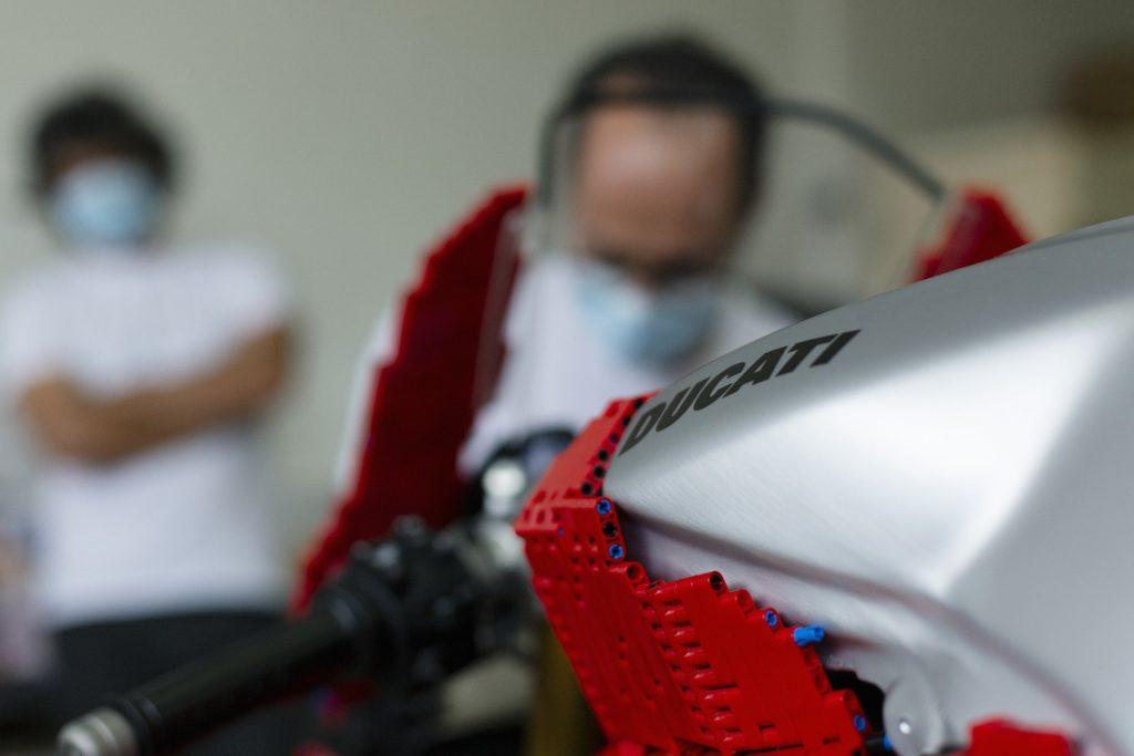 LEGO Technic Verkleidung auf der Ducati Panigale | ©LEGO Gruppe