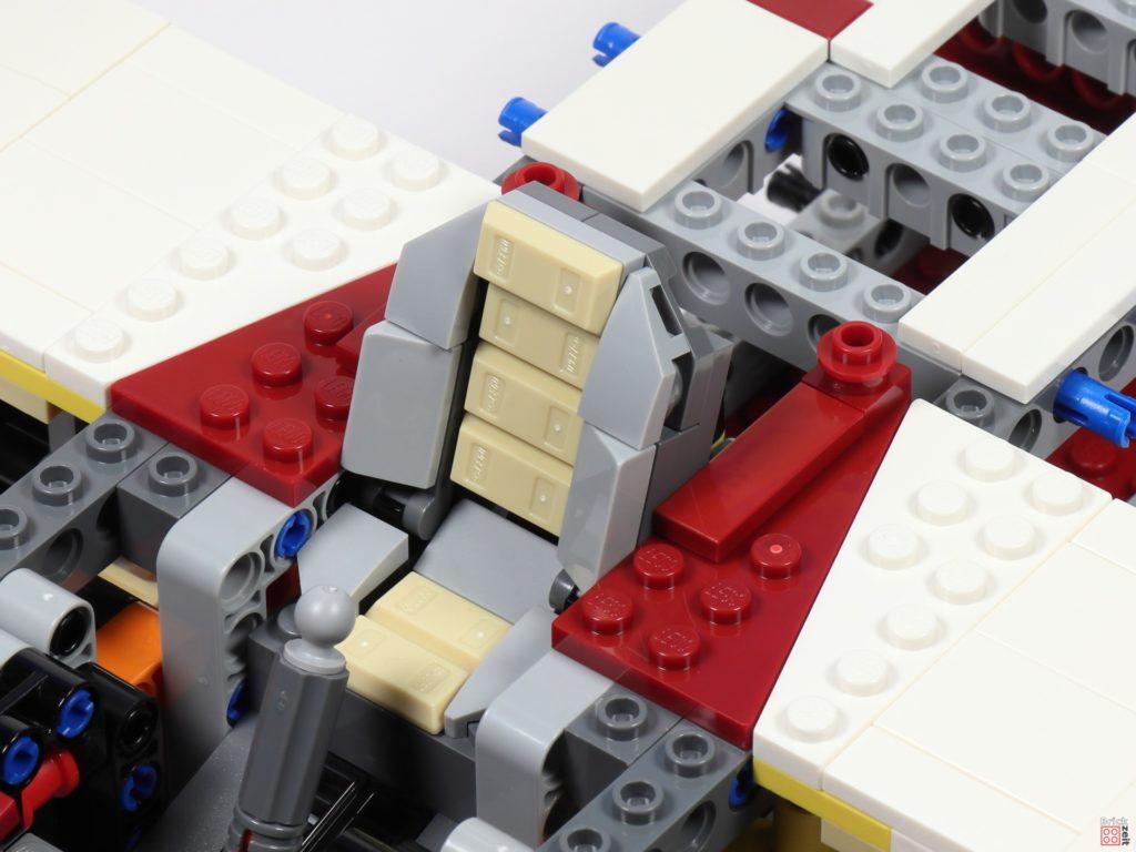 LEGO Star Wars 75275 - Bauabschnitt 04, Bild 19 | ©2020 Brickzeit