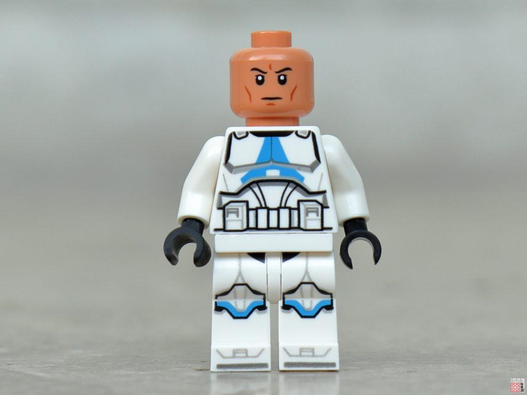 LEGO Star Wars 75280 501st Legion Clone Trooper ohne Helm, Vorderseite | ©2020 Brickzeit
