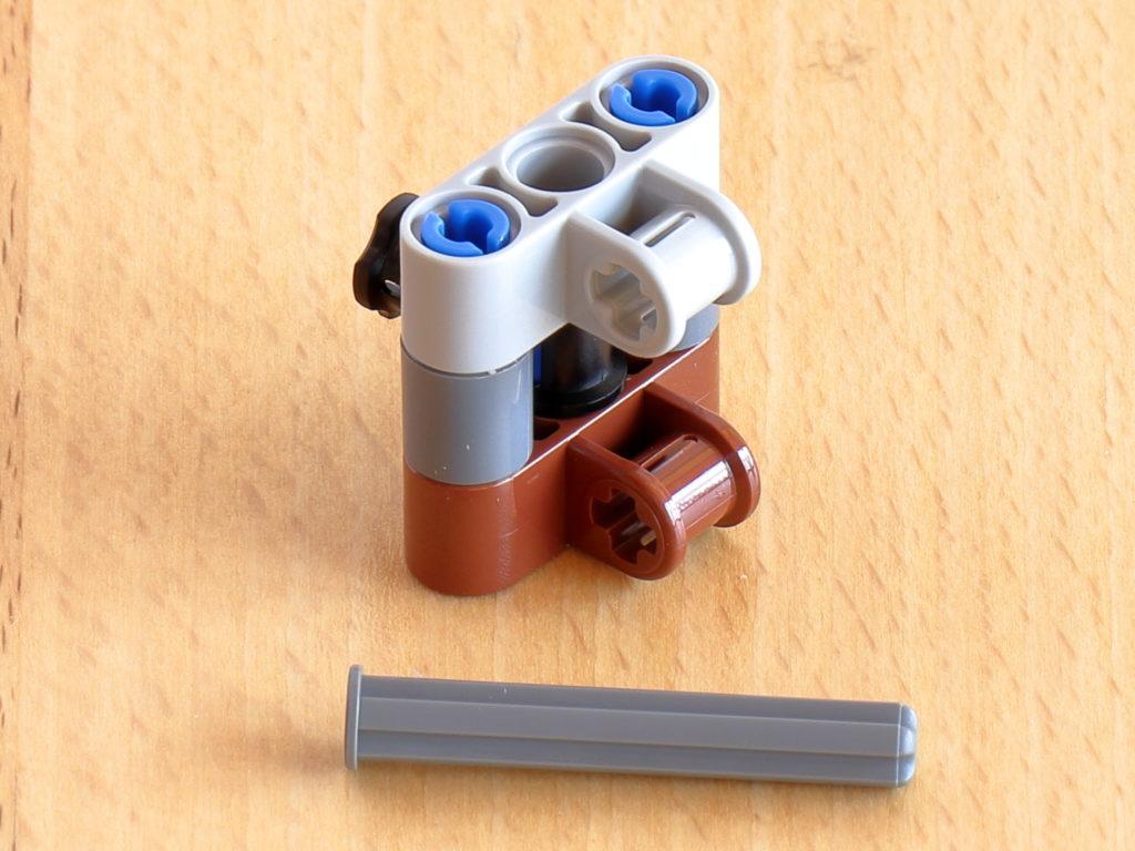 LEGO Technic Befestigung für AT-AT Kopf | ©Brickzeit