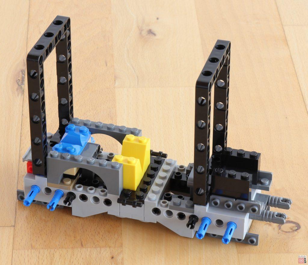 Weitere LEGO Technic Rahmen eingebaut | ©Brickzeit