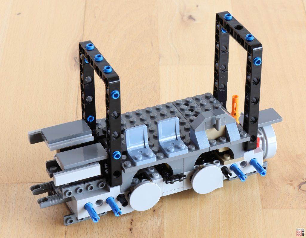 LEGO 75288 Bauabschnitt 3 - Die ersten Sitze | ©Brickzeit