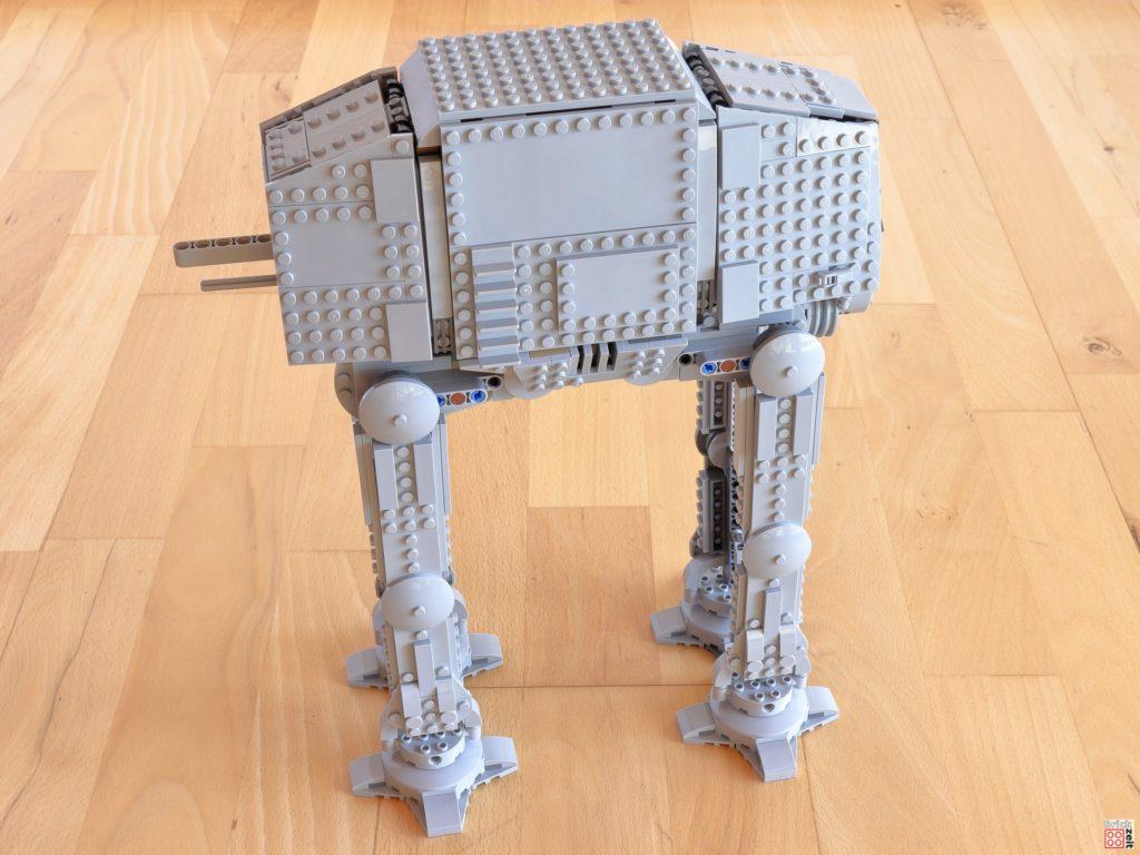 Die Beine des LEGO AT-AT sind fertig | ©Brickzeit