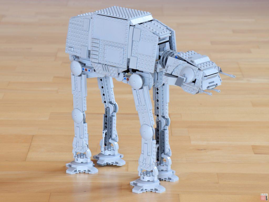 LEGO Star Wars 75288 AT-AT, rechts vorne | ©Brickzeit