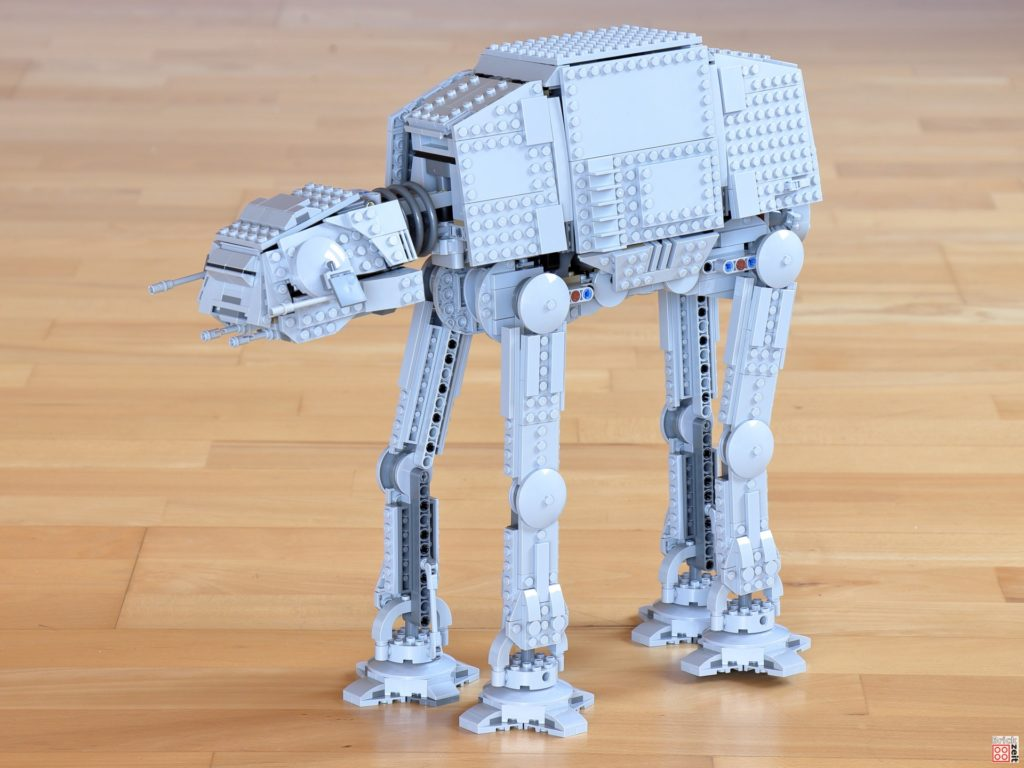 LEGO Star Wars 75288 AT-AT, links vorne | ©Brickzeit