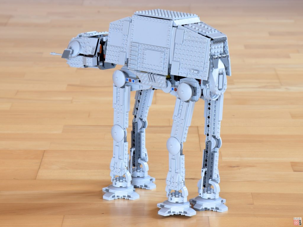 LEGO Star Wars 75288 AT-AT, links hinten | ©Brickzeit