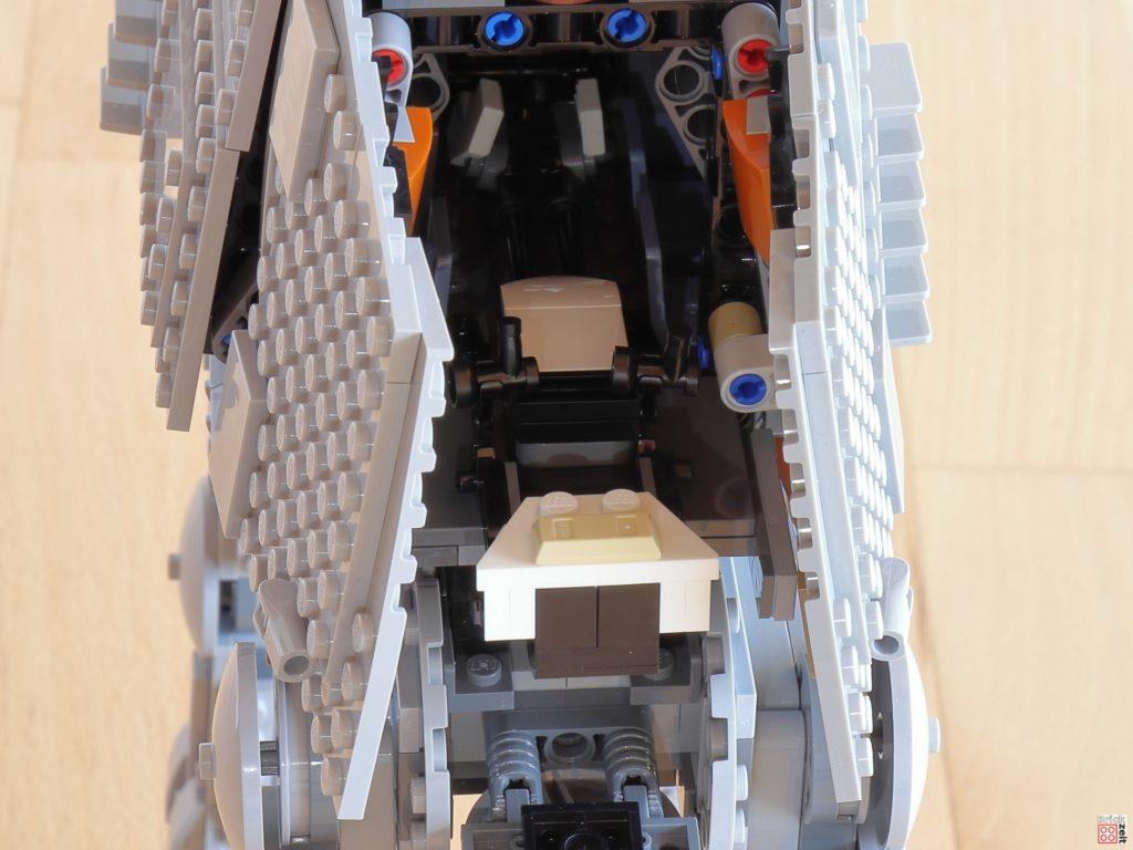 Speederbike im Heck des LEGO AT-AT | ©Brickzeit