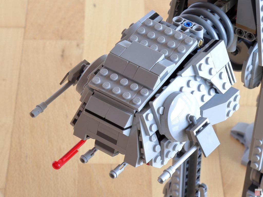 Stab-Shooter an der Kopfunterseite des LEGO AT-AT | ©Brickzeit
