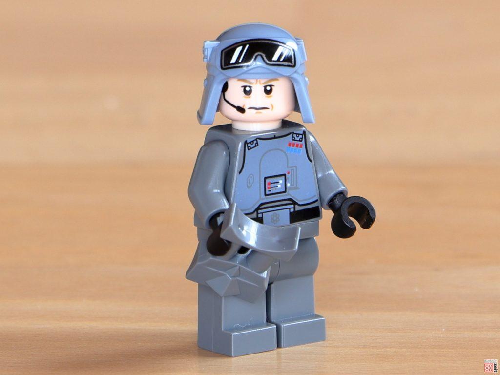 LEGO 75288 General Veers mit Elektrofernglas | ©Brickzeit