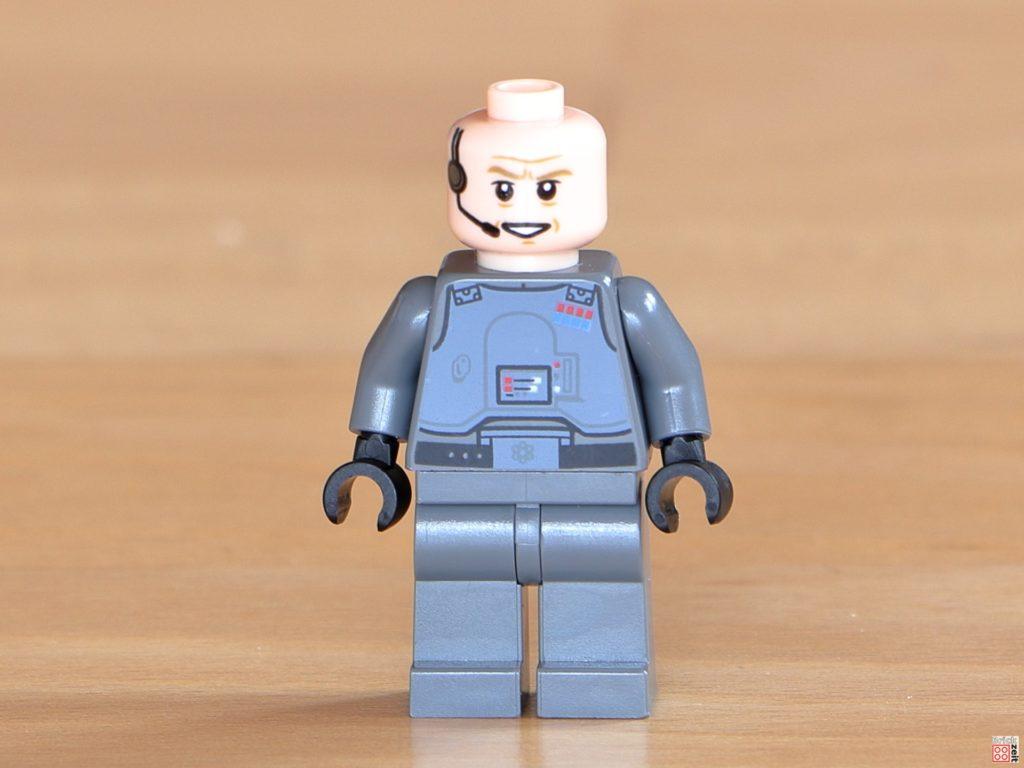 Vorderseite von LEGO General Veers ohne Helm | ©Brickzeit