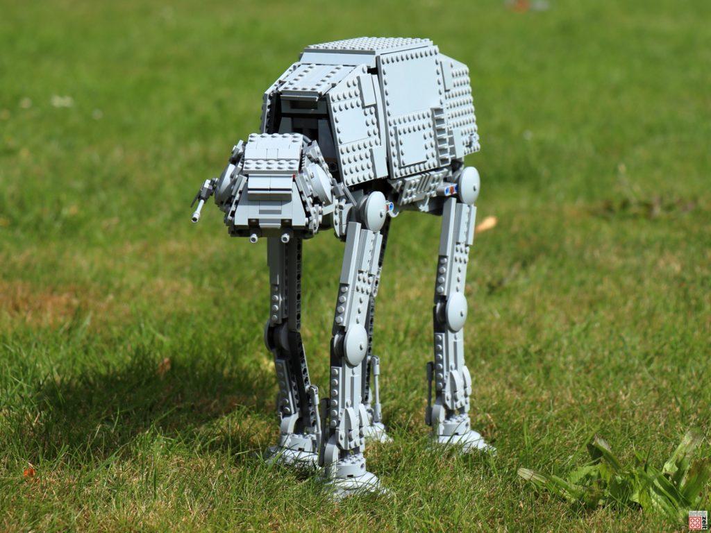 LEGO AT-AT auf dem Weg | ©Brickzeit