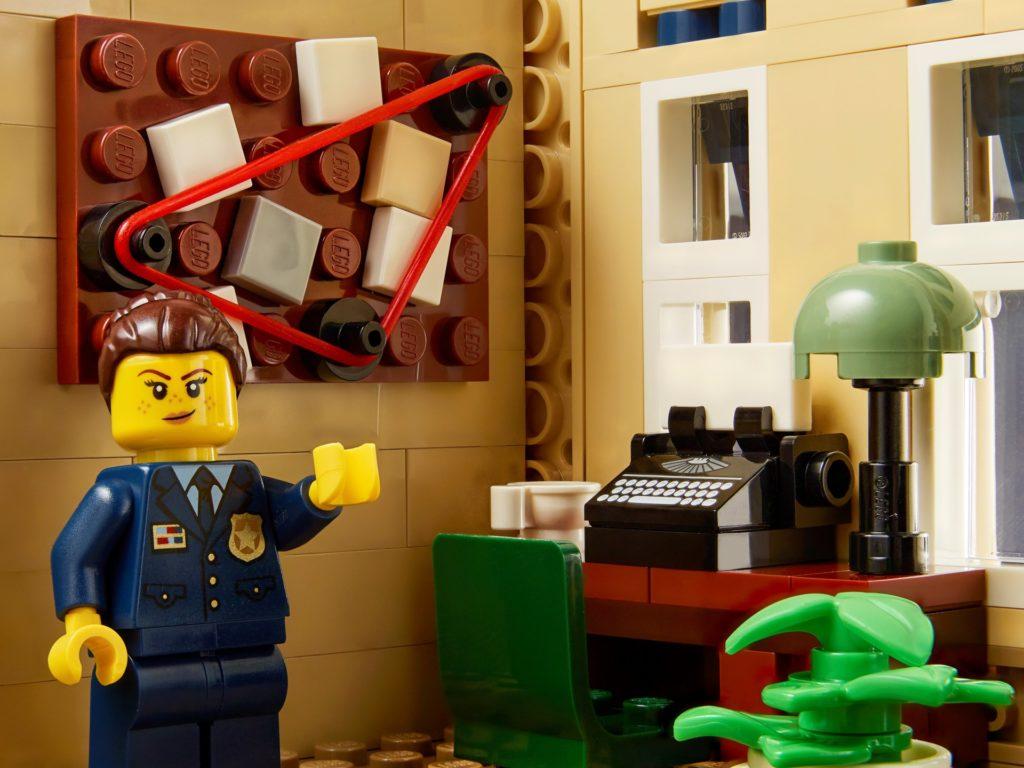 LEGO Creator Expert 10278 Polizeistation   ©LEGO Gruppe