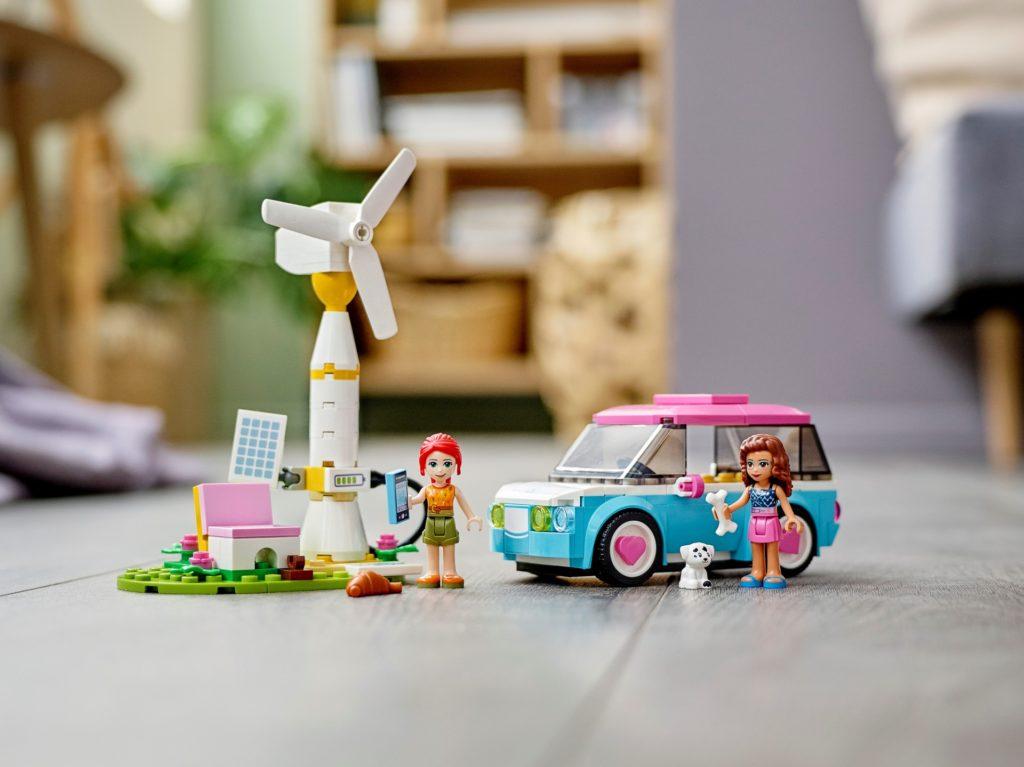 LEGO Friends 41443 Olivias Elektroauto | ©LEGO Gruppe