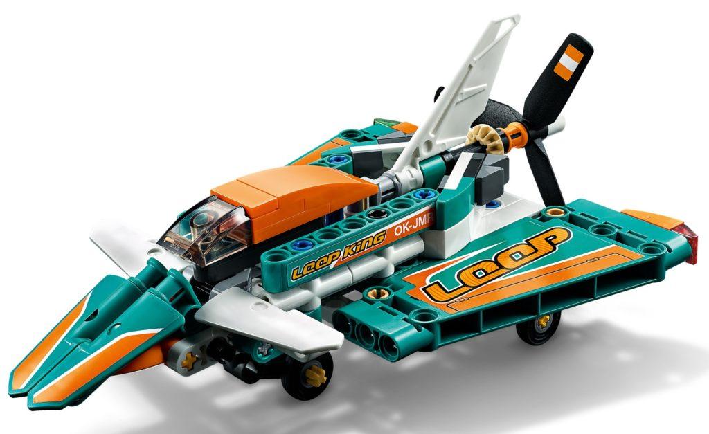 LEGO Technic 42117 Rennflugzeug   ©LEGO Gruppe
