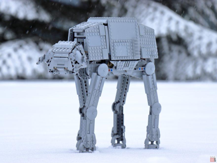 LEGO AT-AT im Schnee - Titelbild | ©Brickzeit