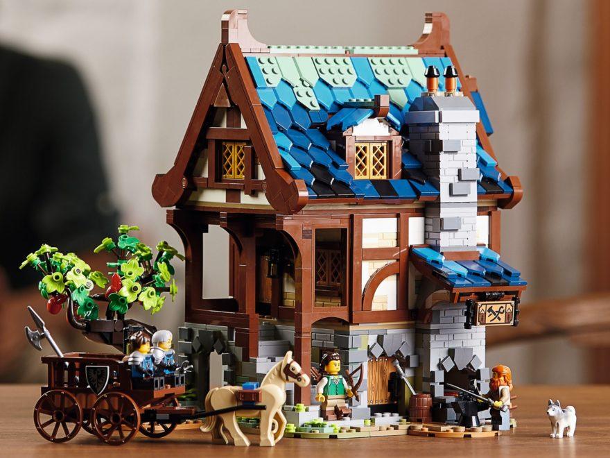 LEGO IDEAS 21325 Mittelalterliche Schmiede ab 1. Februar 2021 verfügbar
