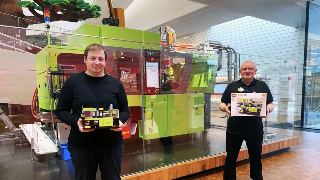 Markus Rollbuehler und Stuart Harris sind der Designer und Baumeister des neuen exklusiven LEGO House-Produkts. © LEGO Haus.