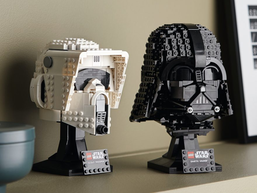 LEGO Star Wars Helme 75304 und 75305 | ©LEGO Gruppe