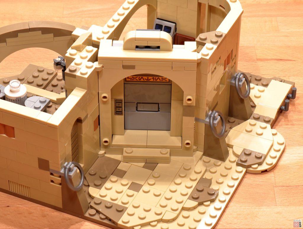 LEGO 75290 - Cantina, Bauabschnitt 8 | ©Brickzeit