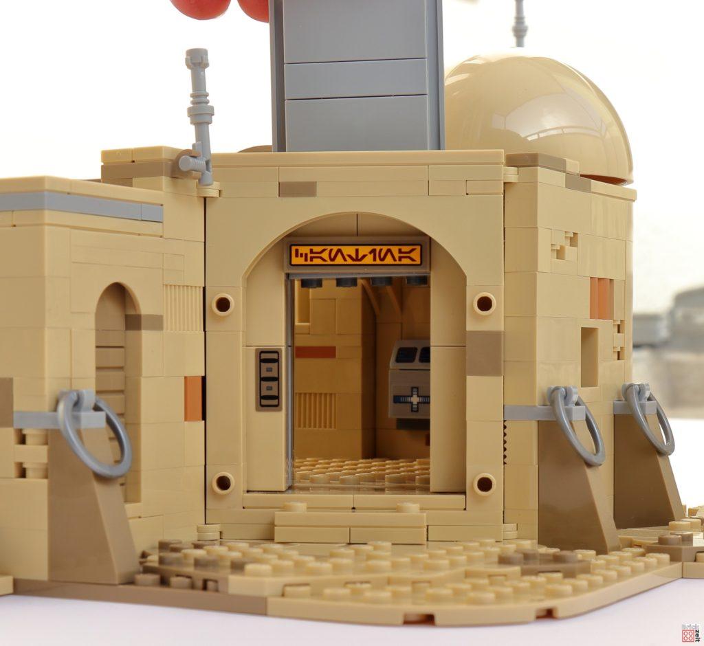 LEGO Star Wars 75290 - Haupteingang | ©Brickzeit