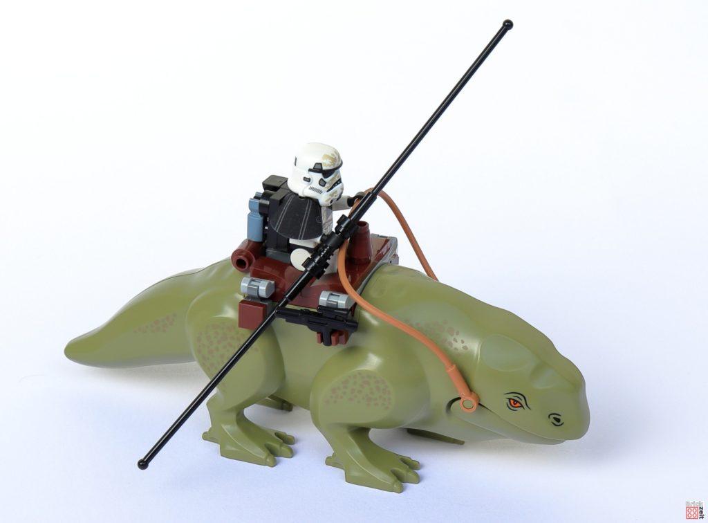 LEGO Star Wars 75290 Mos Eisley Cantina - Dewback | ©Brickzeit
