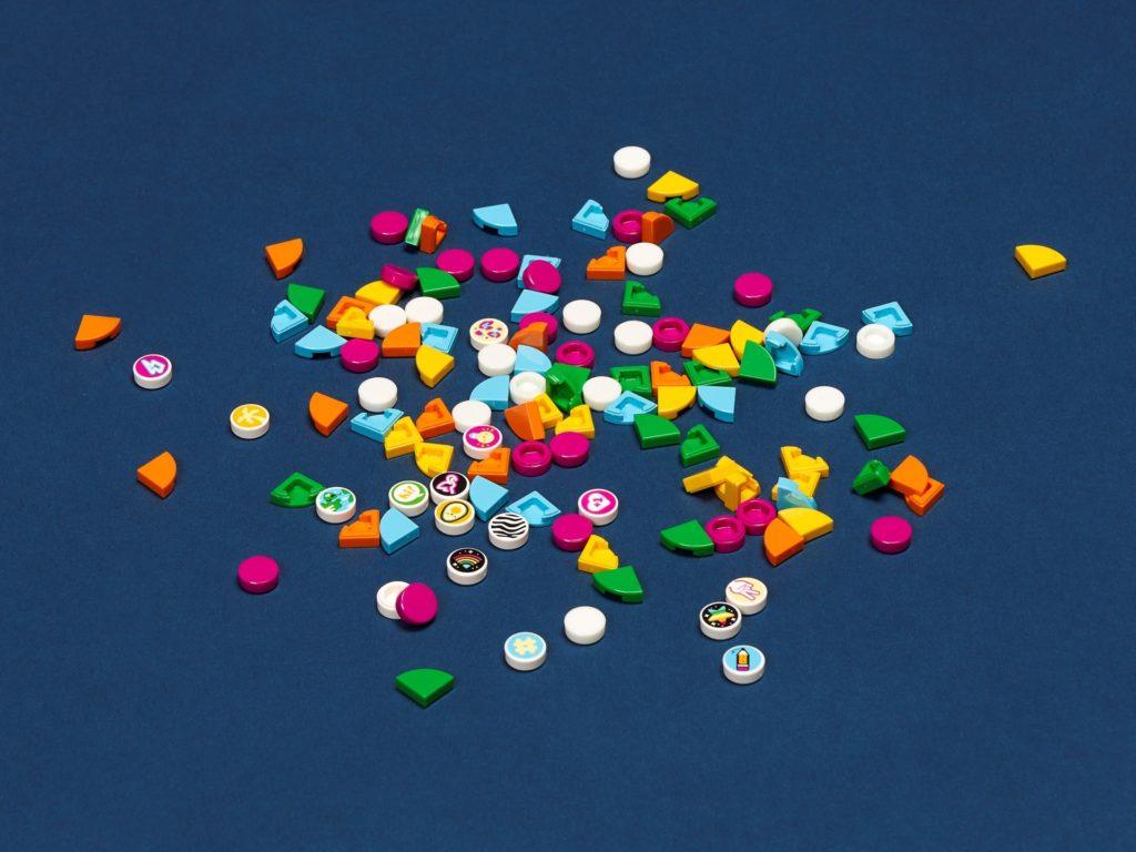 LEGO DOTS 41932 Ergänzungsset Urlaub | ©LEGO Gruppe