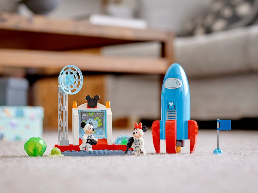 LEGO DUPLO 10774 Mickys und Minnies Weltraumrakete | ©LEGO Gruppe